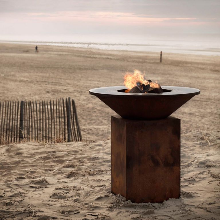 atre design var chemin es po les inserts plancha au feu de bois pour cuisine d 39 t. Black Bedroom Furniture Sets. Home Design Ideas
